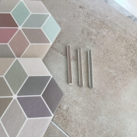 Soft-toned-hexagon-and-diamond-feature-tiles-with-colour-grout-matching-2_Tile-Living-Drummoyne